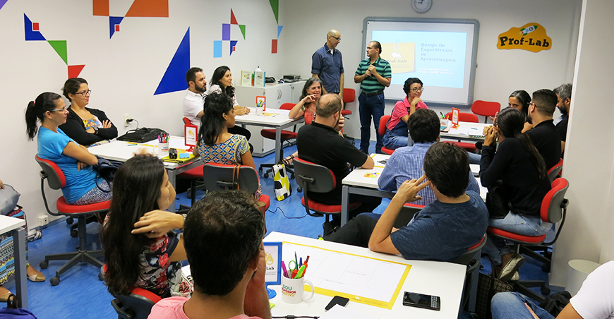 Formadores Paulo André da Silva e Alex Sandro Gomes em ação no Prof-Lab 2016